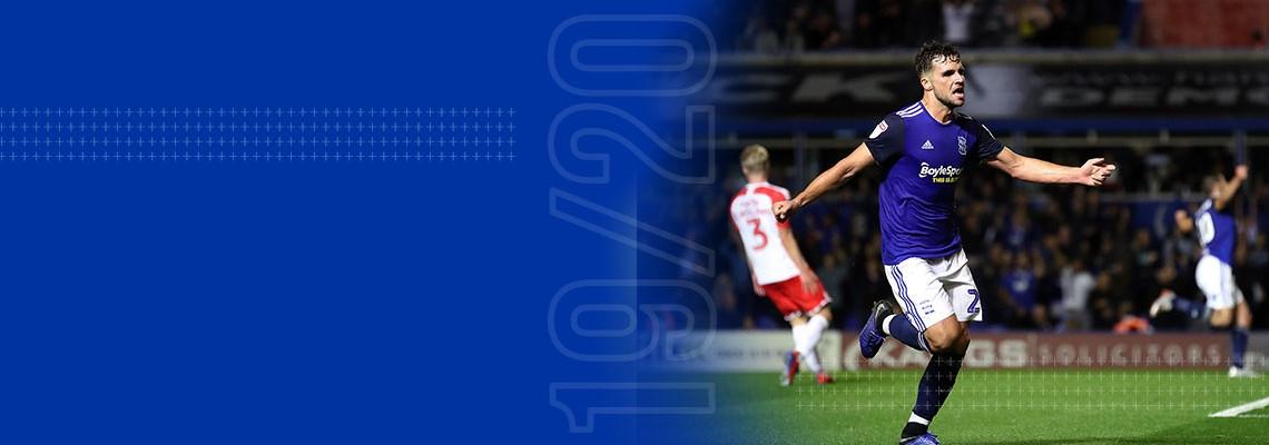 Alvaro Gimenez celebrates his goal
