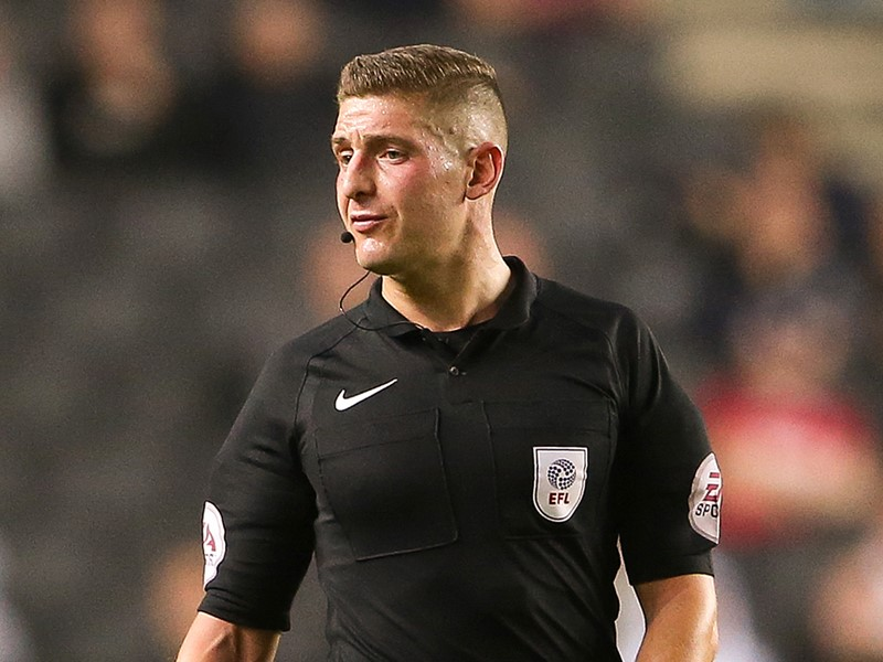 Referee Robert Jones.