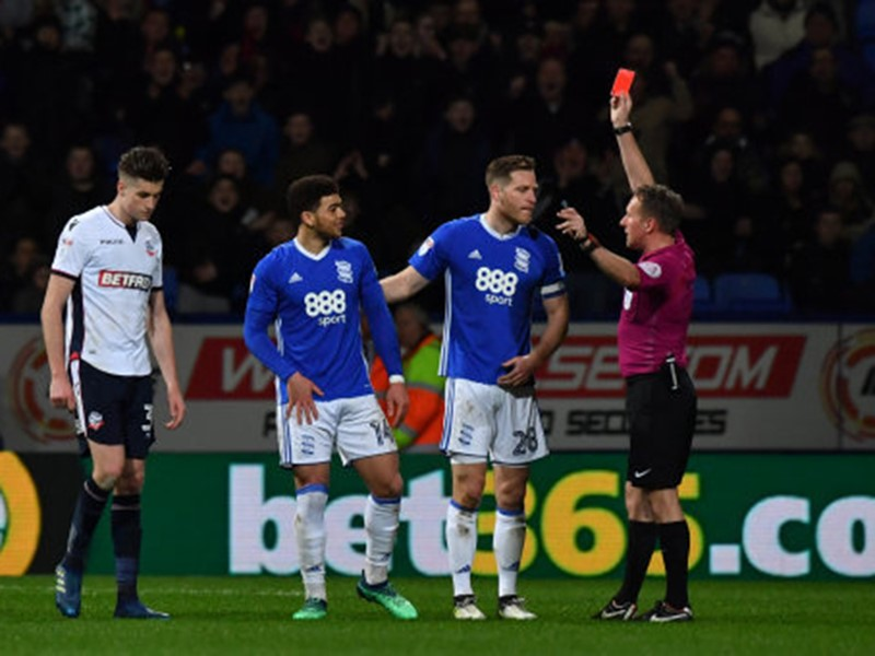 Che  Adams receives a straight red at the Macron Stadium.